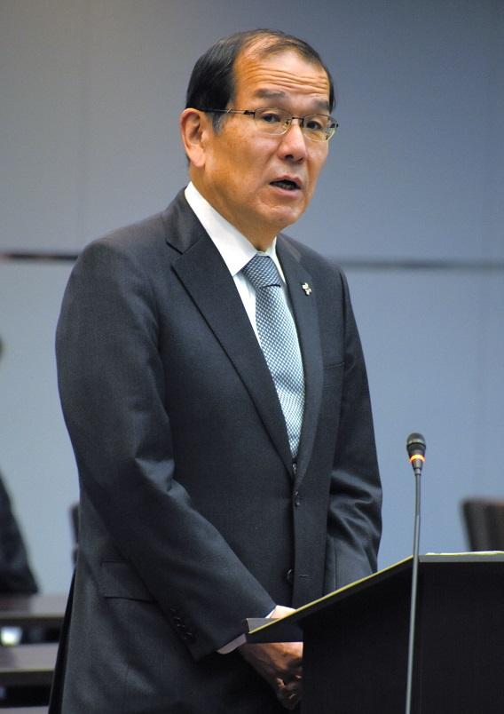 写真・図版 : 稲田伸夫・検事総長=2019年2月20日、東京・霞が関の法務省