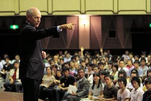 """日本で""""白熱教室""""は可能か"""