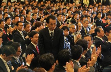 菅首相続投、政権が担うべき課題は何か