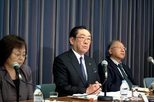 NHK会長選びの混迷の真相は何か