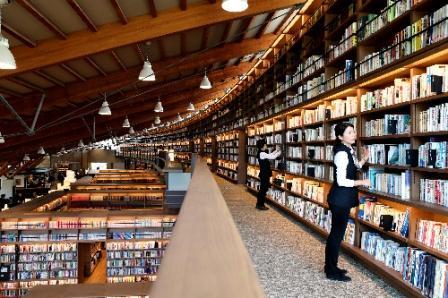 写真・図版:TSUTAYA図書館への違和感